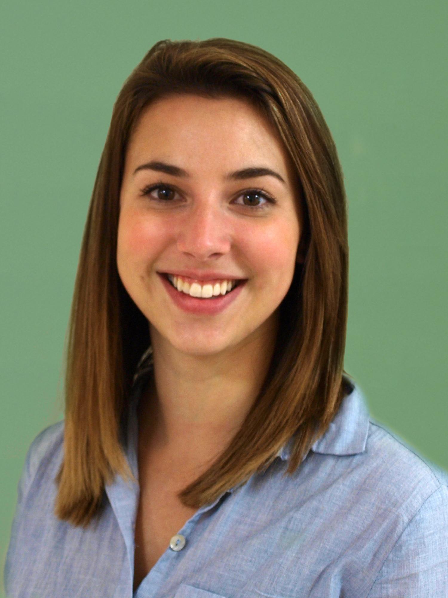 Tara Calabro, LMSW Headshot